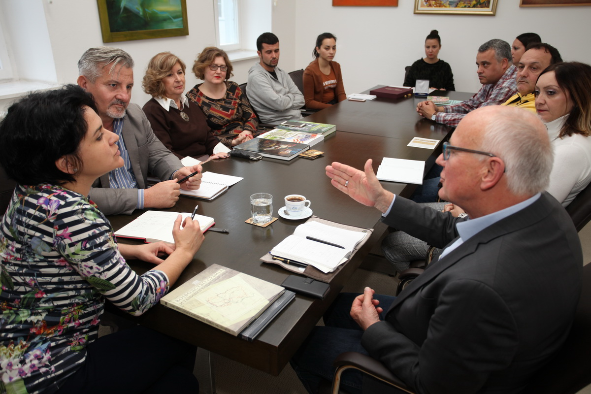 The Director of the Danube Swabians Museum Visits the Archives of Vojvodina
